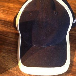 Black and tan hat